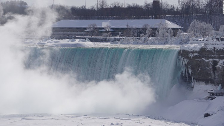 150219122912-frozen-niagara-falls-feb16-irpt-full-169