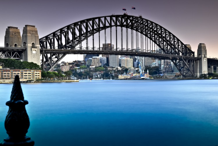 Sydney-Harbour-Bridge-4am-Sydney-December-2009-Alexander-T