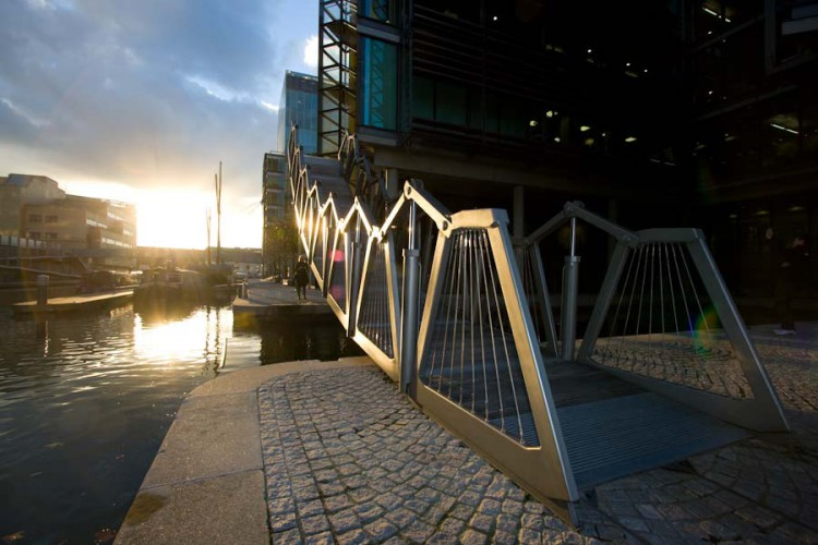 rolling_bridge_paddington_jw200809