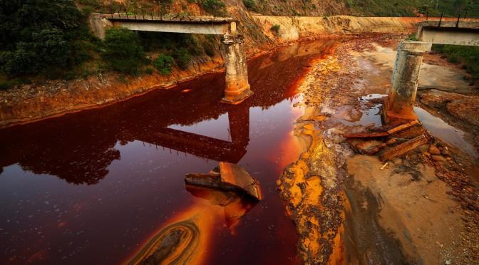 Самые опасные водоемы мира